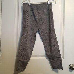 fabletics breathable capri leggings